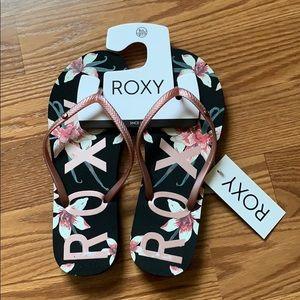 Roxy flower flip flops